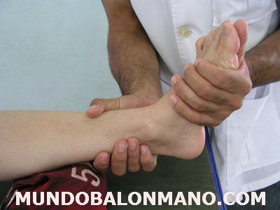 3-ESGUINCE-TOBILLO-TORCEDURA-MUNDOBALONMANO.COM