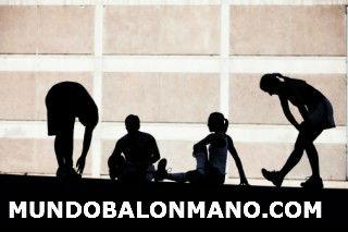 CALENTAMIENTO-ESTIRAMIENTOS-ESGUINCE-TORCEDURA-TOBILLO-MUNDOBALONMANO.COM